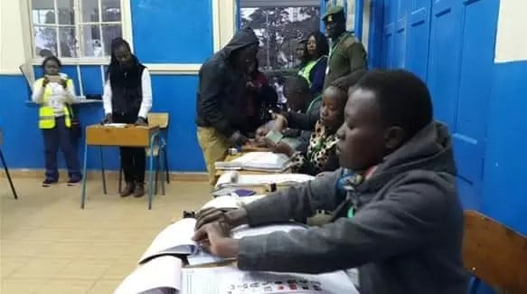 Kenya's President Takes Early Lead After Peaceful Vote