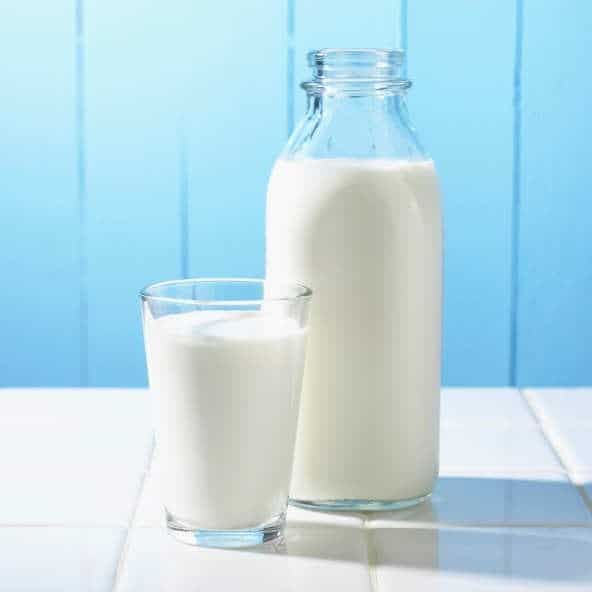"""You Can Make Dairy-Free Nut """"Milk"""" With These Easy Recipes It's Nuts!"""