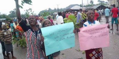 Metro Women Shut Down Ughelli- Asaba Road Over Herdsmen Attacks