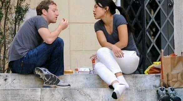 Mark Zuckerburg And His Wife Priscilla Chan Living A Simple Life.
