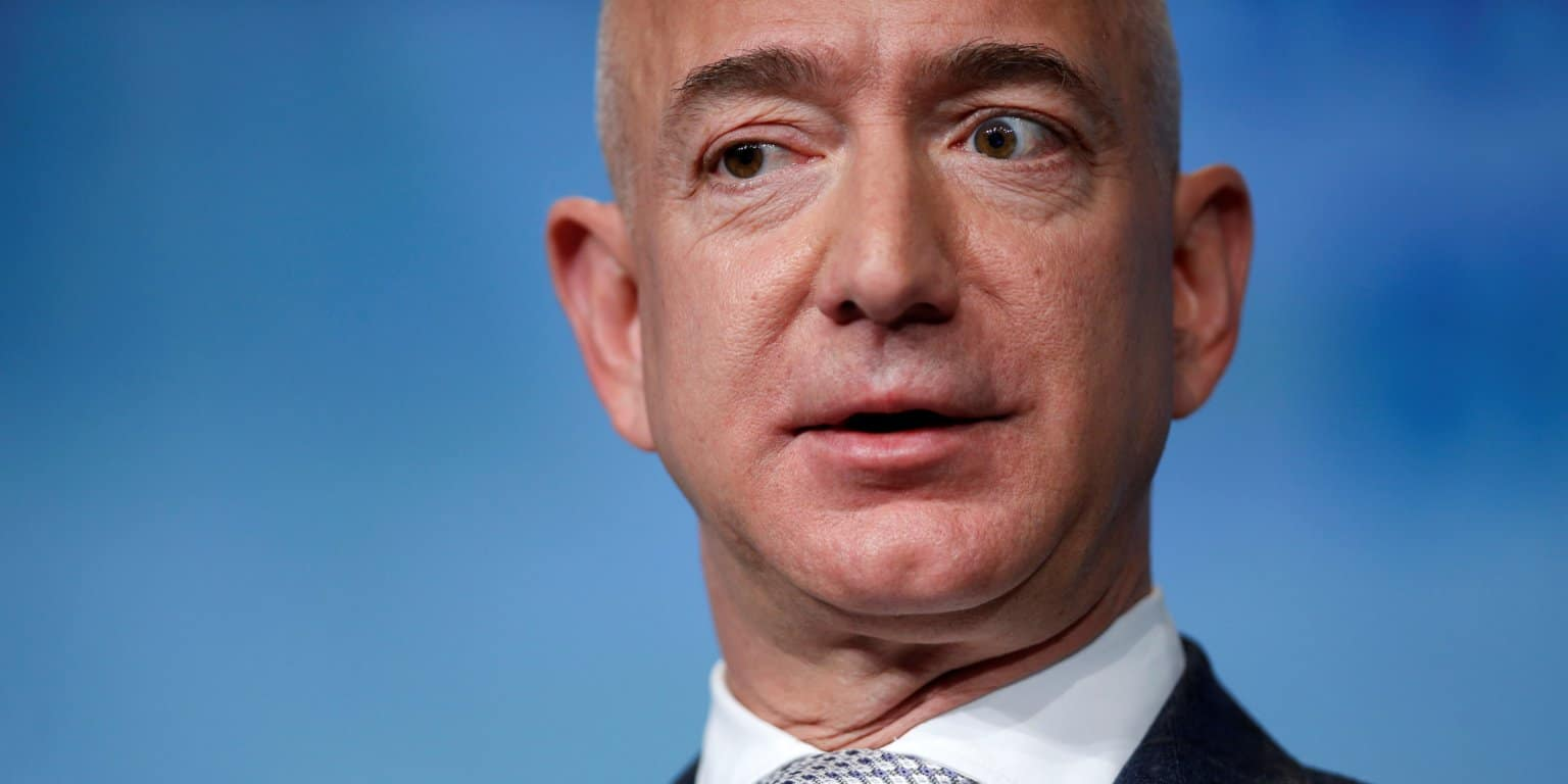 Jeff Bezos' Investigator Thinks Saudi Arabia Hacked His Cell Phone