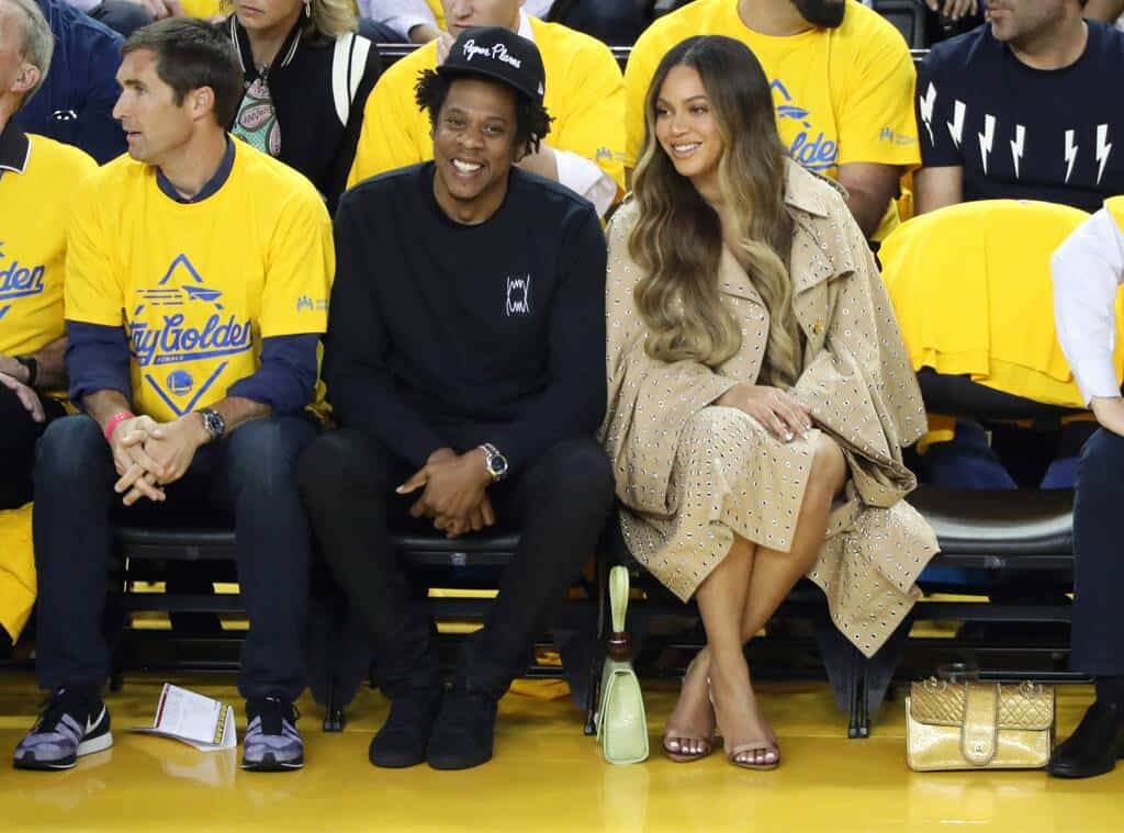 Beyoncé's NBA Court Side Shade Is The Internet's New Favorite Meme