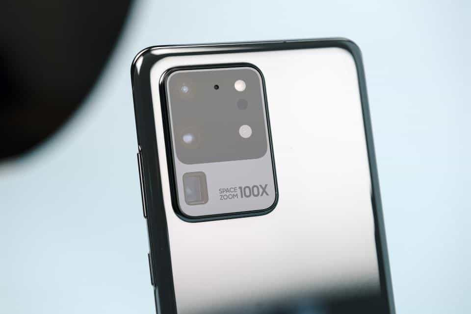 Google's Pixel 4 XL Beats Galaxy S20 Ultra